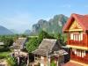 Laos - blauer Himmel über Vang Vieng