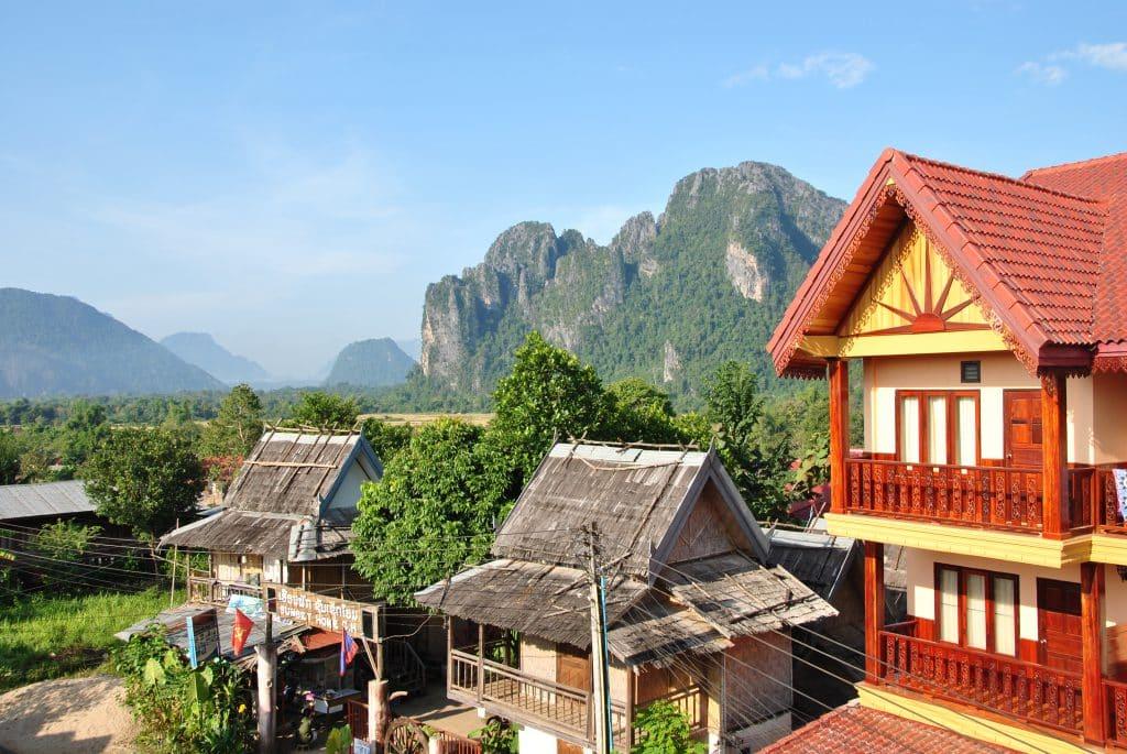 Aussicht vom Hotelbalkon auf Vang Vieng