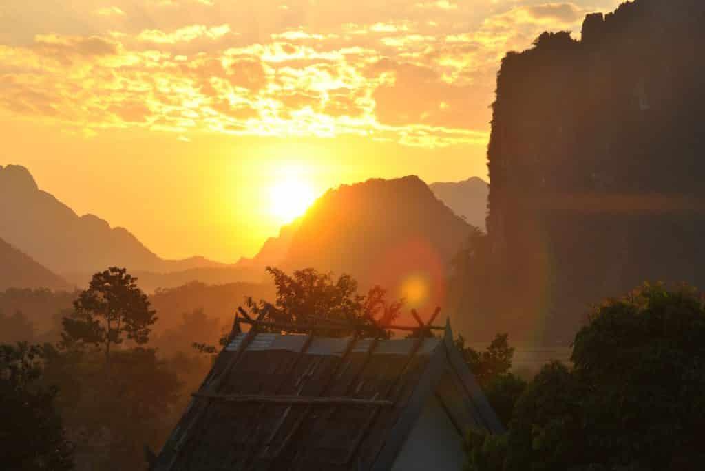 Vang Vieng bei Sonnenuntergang