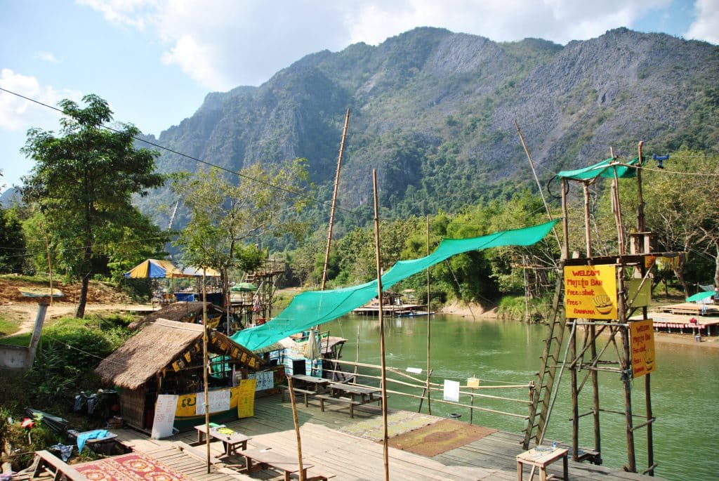 Tubing Pub Crawl auf dem Mekong