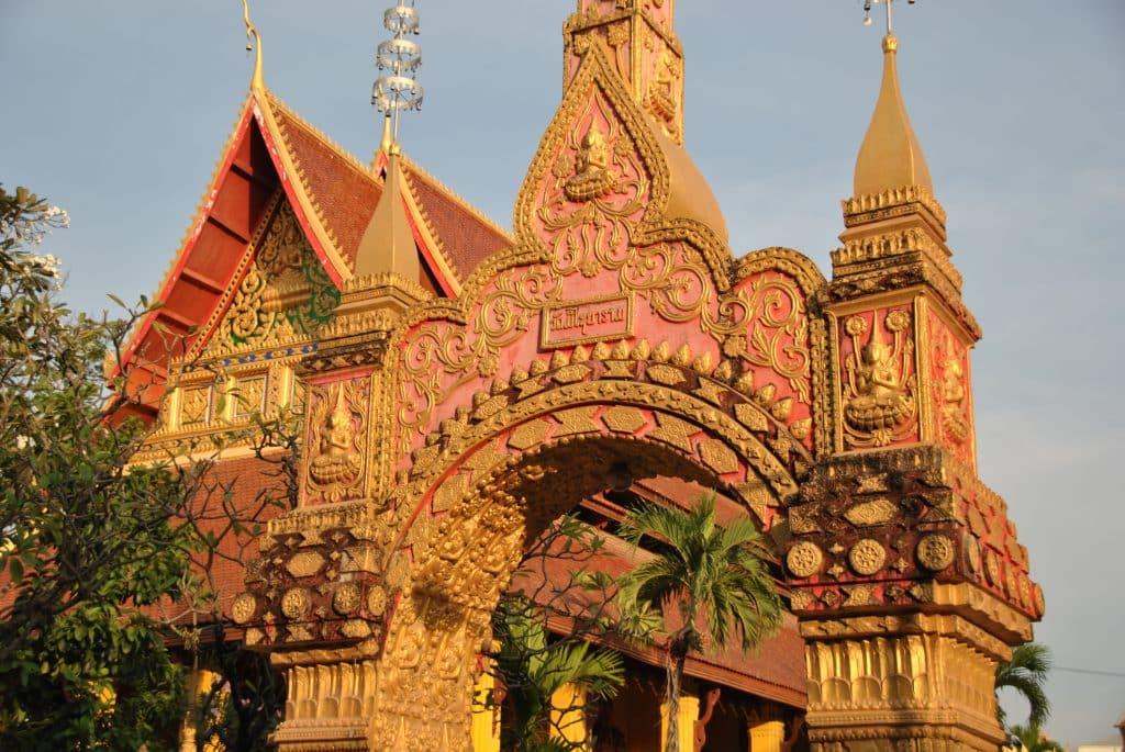 Vientiane hat zahlreiche prächtige Tempel zu bieten